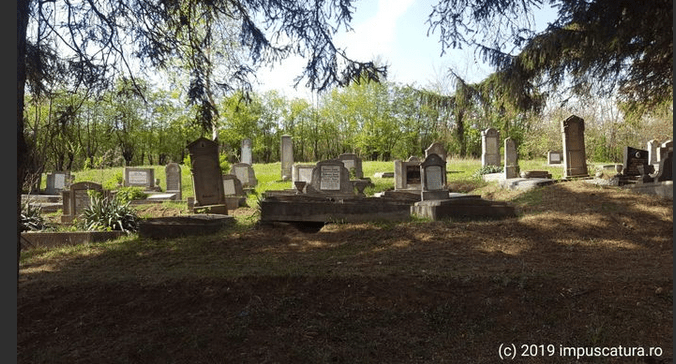 Der Friedhof oberhalb der Kirchenburg
