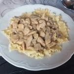 Schweinegeschnetzeltes mit Champignons und Gorgonzola