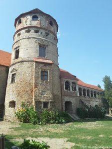 Der Runde Turm am Herrenhaus der Burg Kreisch (Criş)