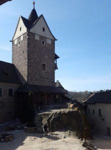Burg Loket mit dem Plateau des ehemaligen Wohnhauses