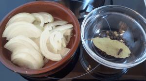 Gewürze für die eingemachten Pilze