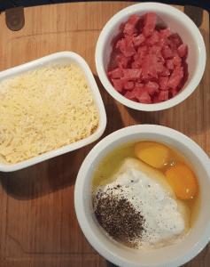 Zutaten für die Soße, Käse und Rohschinken