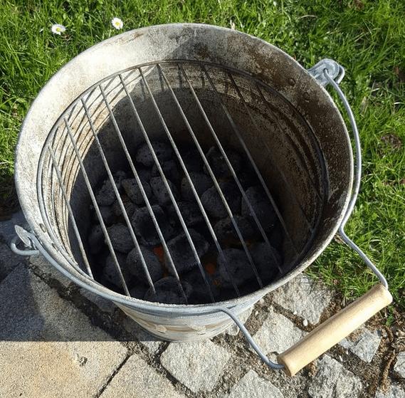 Grilleimer mit Grillrost