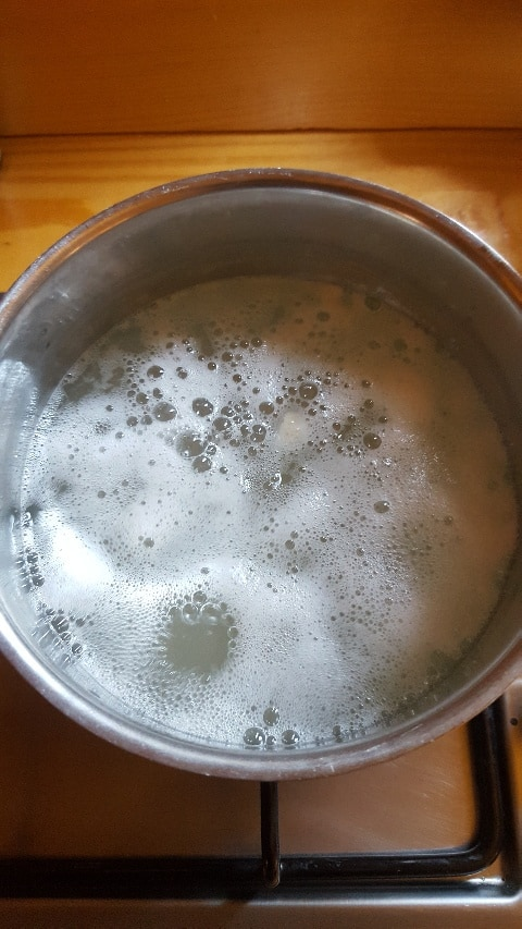 Aufkochen des Suds für Salzgurken