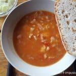 Eintopf mit Tomaten und Weißkraut - einfache Ciorba