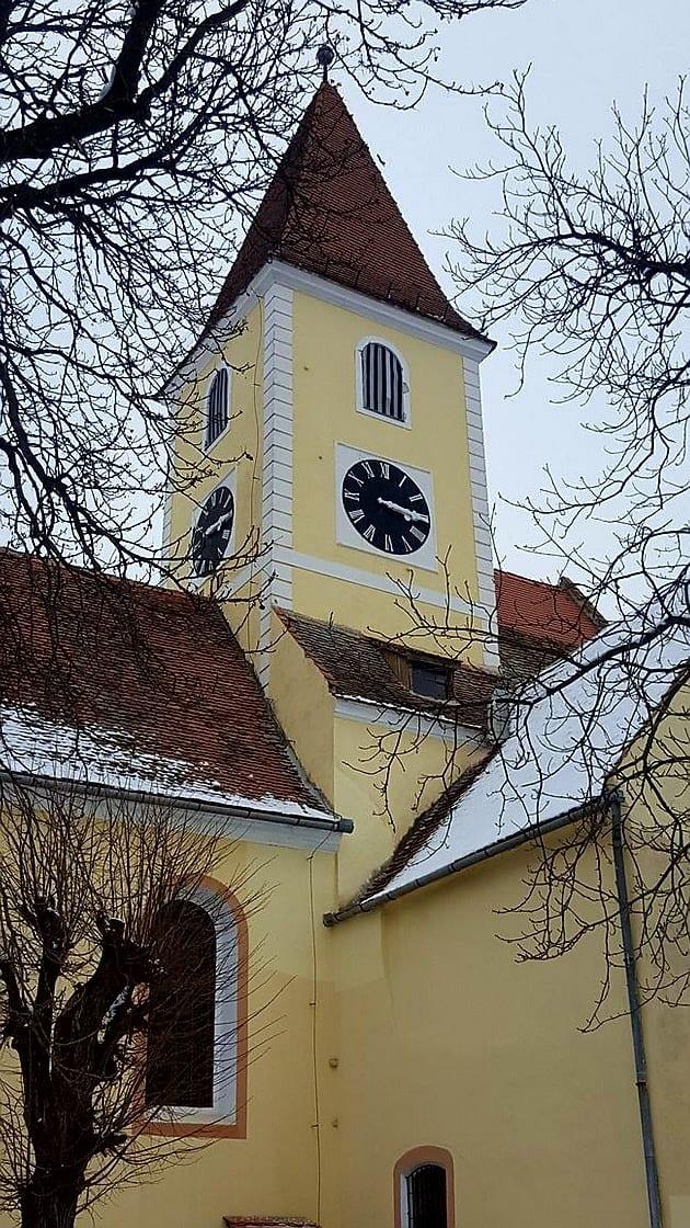 Der Turm der Kirche von Turnișor (Neppendorf)