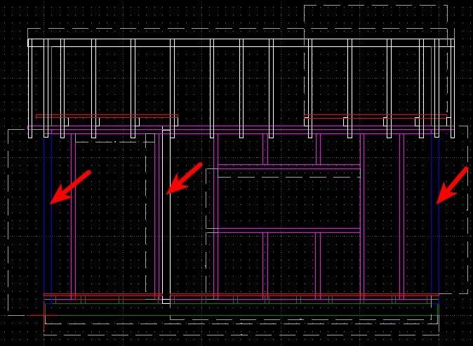 Nur die mit Pfeilen markierten Balken der Seitenwände sind 10 x 10 cm